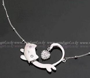 gentlewomen fashion princess cat necklace