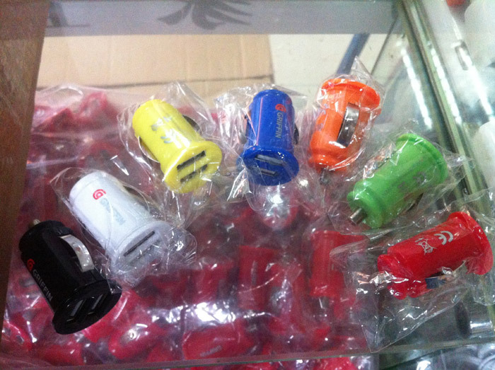 Colorful Double USB Car Charger For Apple IPhone 5 5G 4S IPad 2 3 Mini 2.1A 2A Cell Phone Micro Dual Auto Power Adapter 100pcs(China (Mainland))