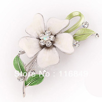 brooches flower decorate with Austrian crystal, free shipping,min.order is $15,mixed order