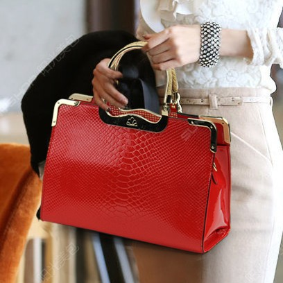 New arrival 2013 women's japanned leather handbag marry bag fashion women's handbag messenger bag red bridal bag(China (Mainland))