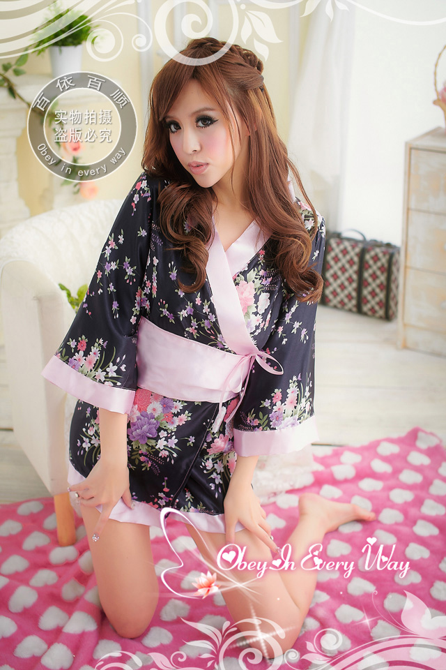 Vintage floral print kimono for lady pink laciness women's nightgown(China (Mainland))