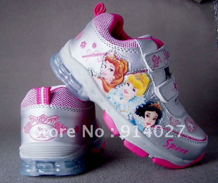 Very nice girl's sports shoes three princess design shoes good quality child's lighted shoes,Freeshipping(China (Mainland))