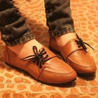 2013 NEW Lace up Women shoes for Lady fashion flat shoes & Brown