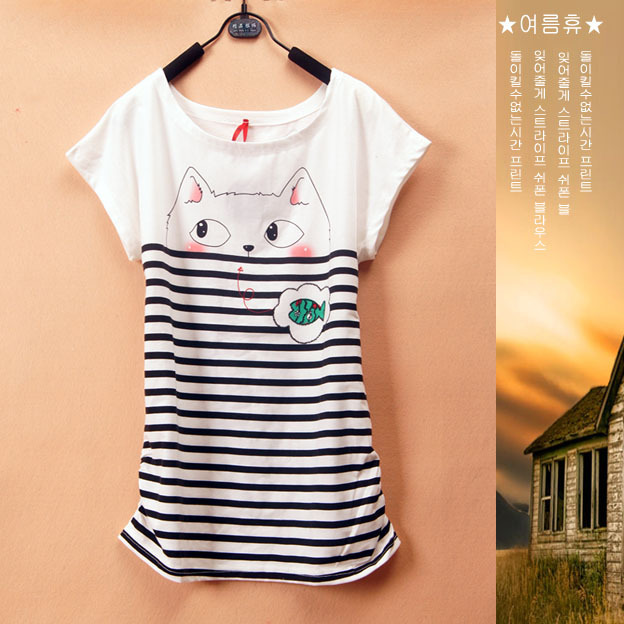 A033 2013 summer new women loose O-neck short sleeve striped cat and fish print t-shirt,free shipping(China (Mainland))