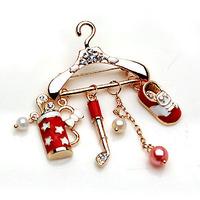 Hangdogs brooch popular brooch style small hanger 358375