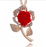 Min.order is $ 10 (mix order) 2013 new fashion red roses necklace Leaves flowers sweater chain clothing ornaments Ornaments