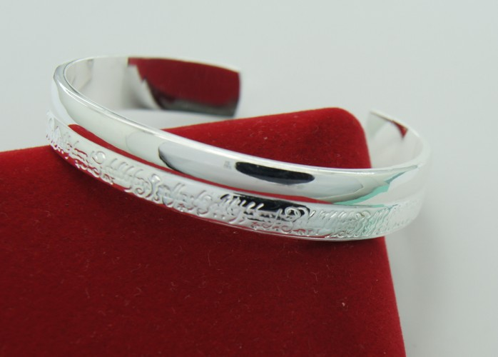 Free Shipping . Guaranteed 100% .Factory direct sale. Popular Bangle.creative Bangle.New products listed(China (Mainland))