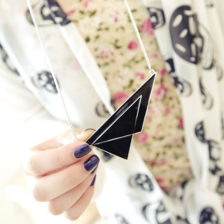 X382 clothing fashion trend fashion geometry triangle patchwork oil pendant necklace(China (Mainland))