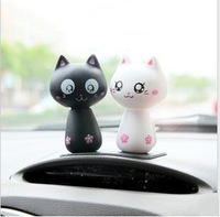 Hot-selling car toys decoration accessories black and white cat lovers jushi small cat bobble head doll car