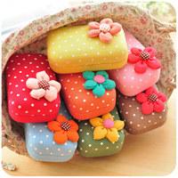 Free shipping Hearts . sweet contact lenses box flower polka dot lens mate box travel