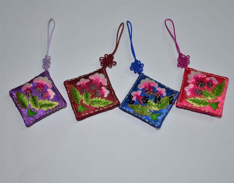 Suzhou embroidery exquisite handmade embroidery cell phone accessories small gift(China (Mainland))