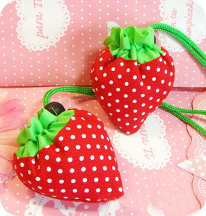 Strange new gift ideas gift wholesale and large capacity strawberry shopping bag(China (Mainland))