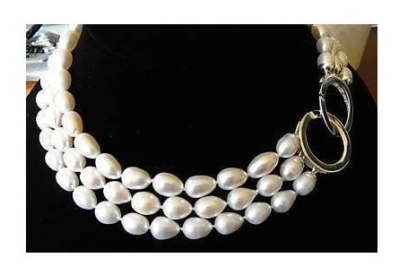 TRIPLE STRANDS GENUINE AKOYA WHITE PEARL NECKLACE(China (Mainland))