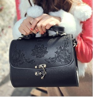 2013 Hot sale! Free Shipping Bone grain tide bucket woman handbag fashion restoring ancient ways hand bag(China (Mainland))