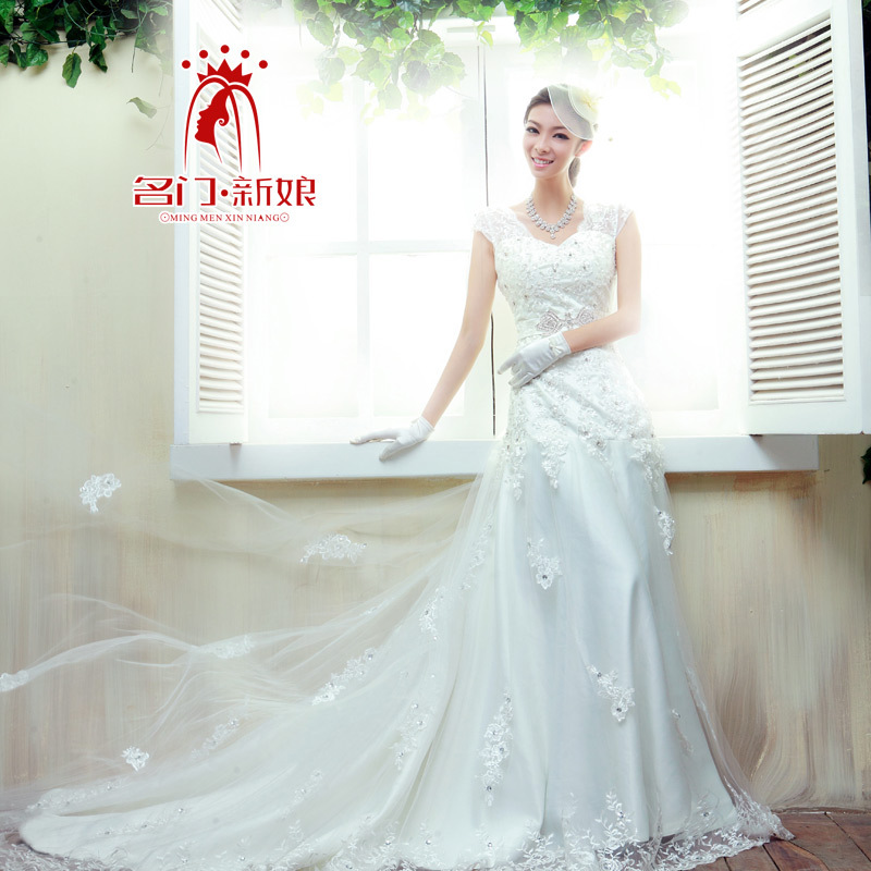 Urged bride wedding train 2013 new arrival fish tail lace spring 814(China (Mainland))