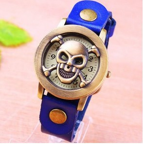 Free shipping 2013 new arrival novelty skull cover high quality cow leather strap unisex quartz watches wholesale(China (Mainland))