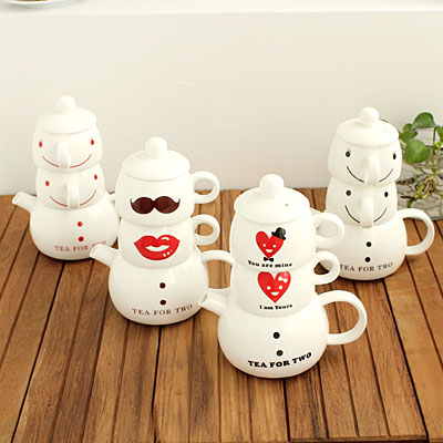 Cute Ceramic tea set including one teapot and two cups gift box set 33796 Korean Style Free shipping(China (Mainland))