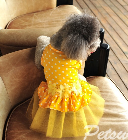 Pet clothes dog clothes summer new dress flowers blossoming skirt breathable comfortable and cool puppy skirt(China (Mainland))