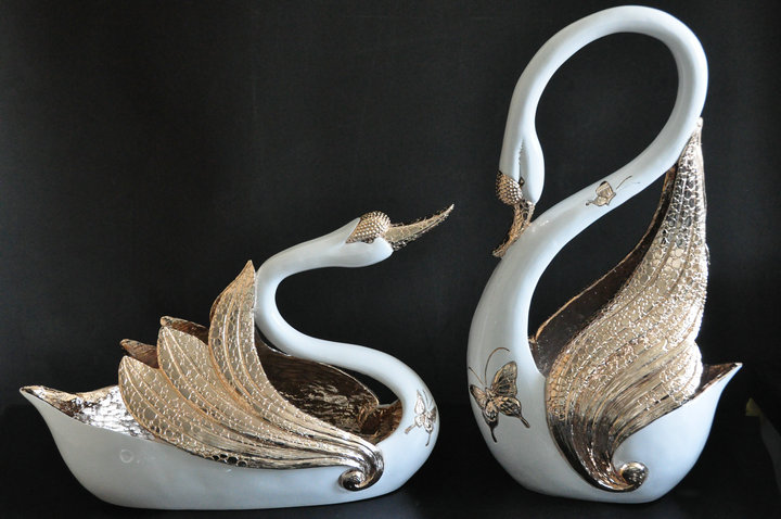 Large size earthsound swan lovers fruit plate decoration fashion decoration fashion crafts(China (Mainland))