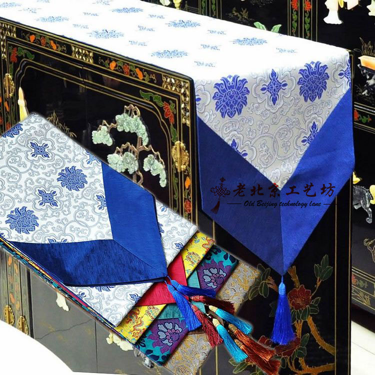 Chinese style brocade fashion royal table runner family pack gifts abroad(China (Mainland))