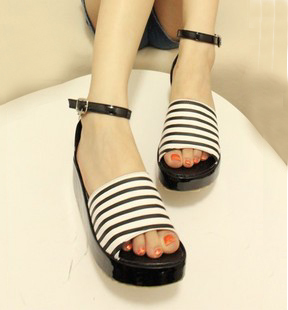 Free shipping summer shoes for women 2013 vintage open toe stripe wedge sandals ankle straps Casual shoes platform flat Sandals(China (Mainland))