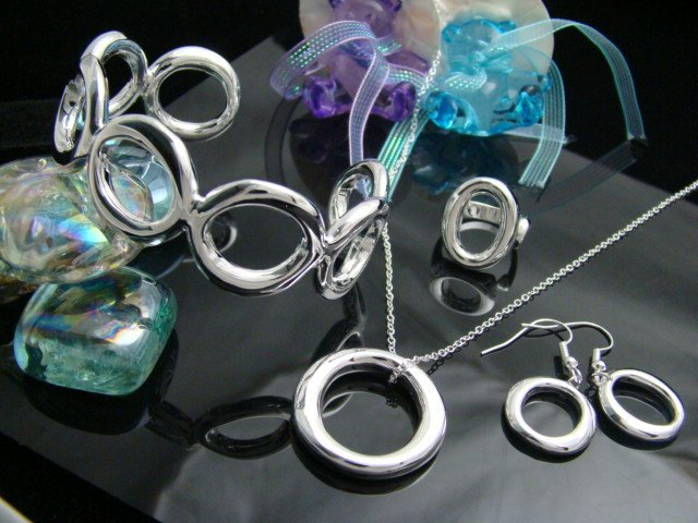Wholesale silver plated round tag set.fashion jewelry set with gift box.Free shipping.(China (Mainland))