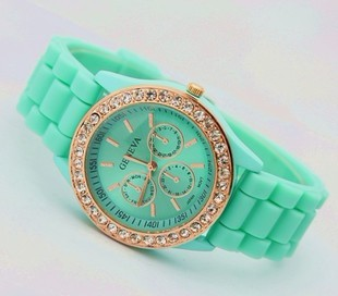 2013 Hot sale New Fashion GENEVA WATCH Geneva Silicone Jelly within the shadow diamond rose gold quartz tableFashion(China (Mainland))