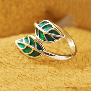 Min.order $15 (can mix) &quot;The Breath of Spring&quot; Green Leaves Ring Made in China Classic Girls Suppies Jewelry(China (Mainland))