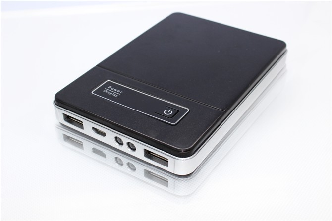 2013 newest ultra-large capacity 2 Dual USB 10000mAh LED light with screen display Power bank charger for iphone 4s(China (Mainland))