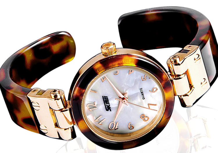 Hot sale Watch female fashion female form bracelet watch fashion quartz watch table vintage glasses glue watch free shipping(China (Mainland))