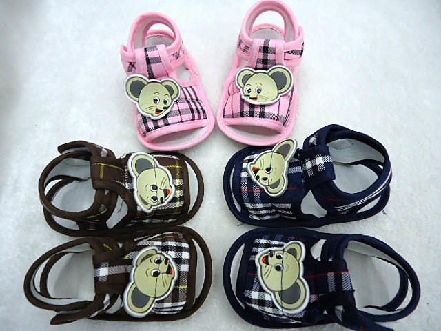 Free shipping baby sandal baby mikey mouse shoes type newborn baby infant shoes(China (Mainland))