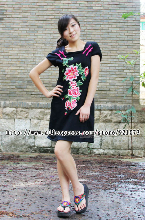 Ethnic Women Pankou embroidered peony embroidered short sleeve dress Slim qunzi(China (Mainland))