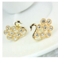 Min order $10 (mix order) free shipping Korean style gold and gun black two colors earrings cute  Little Swan crystal earring