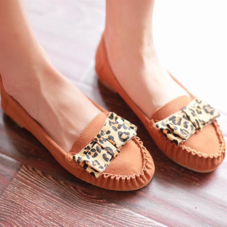 Genuine leather leopard print bow sweet gentlewomen flat loafers gommini maternity comfortable flat heel single shoes female(China (Mainland))