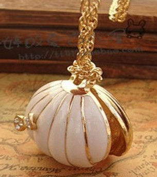 Min.order is $15 (mix order) Free Shipping&Korea New Marine Wind Shell Pearl Necklace, Female Sweater Chain Wholesale(China (Mainland))
