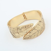 Min. order is $15(mix order)Europe and the United States exaggerated metal leaves opening Bracelet