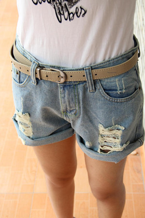Free shipping 2013 summer loose hole roll-up hem denim shorts female trousers light blue(China (Mainland))