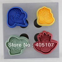 4 pcs 3D cake/cookie cutter Plunger Fondant Mould snow white,dwarf DT246