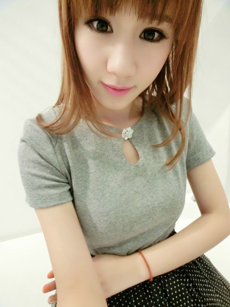 2013 spring solid color rhinestone brooch basic slim cotton short-sleeve t-shirt female top c51(China (Mainland))