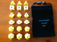 TRPG dice [yellow 18 grain of package + beautiful D&D special bag] run mass entertainment games.