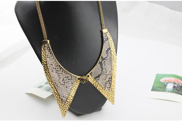 Hotsale!Newest Jewelry Fashion Necklace Fake Collar Shape With Snake Skin All Match Gold Color Ancient Style In Alloy(China (Mainland))