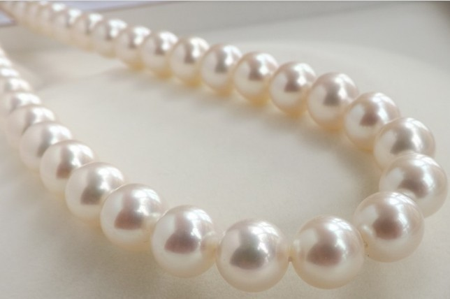 "HUGE 18""9-10MM PERFECT ROUND SOUTH SEA GENUINE WHITE PEARL NECKLACE 14K RARE(China (Mainland))"