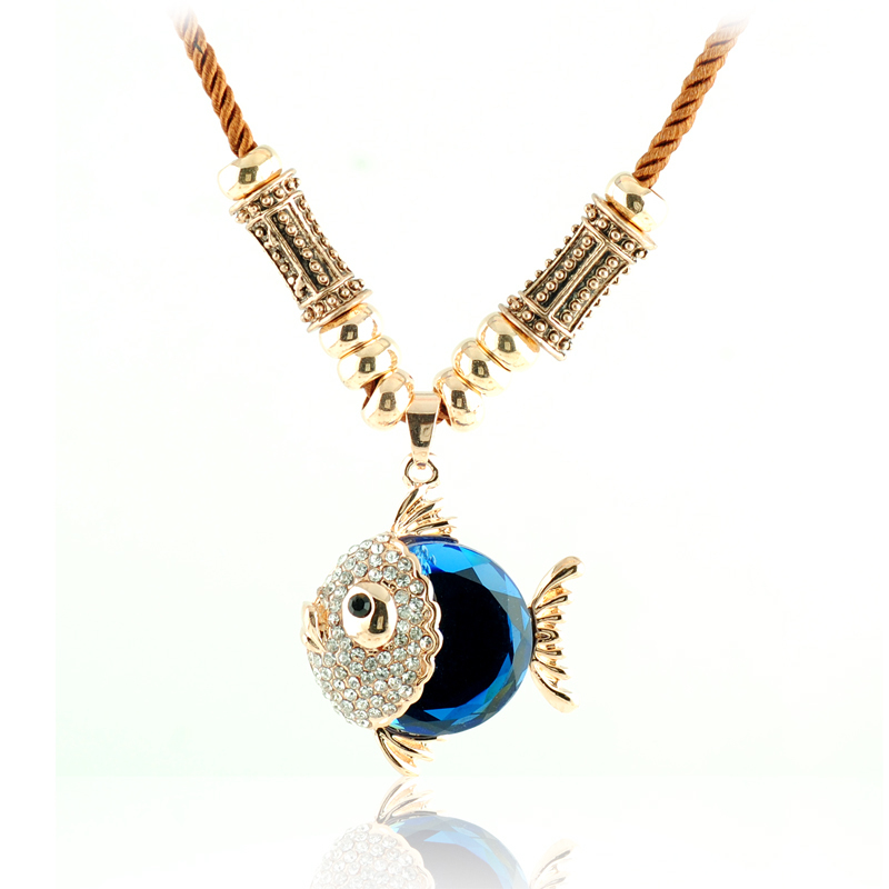 N195 Necklace female short paragraph clavicle European and American vintage Austrian crystal fish necklace cute jewelry wholesal(China (Mainland))