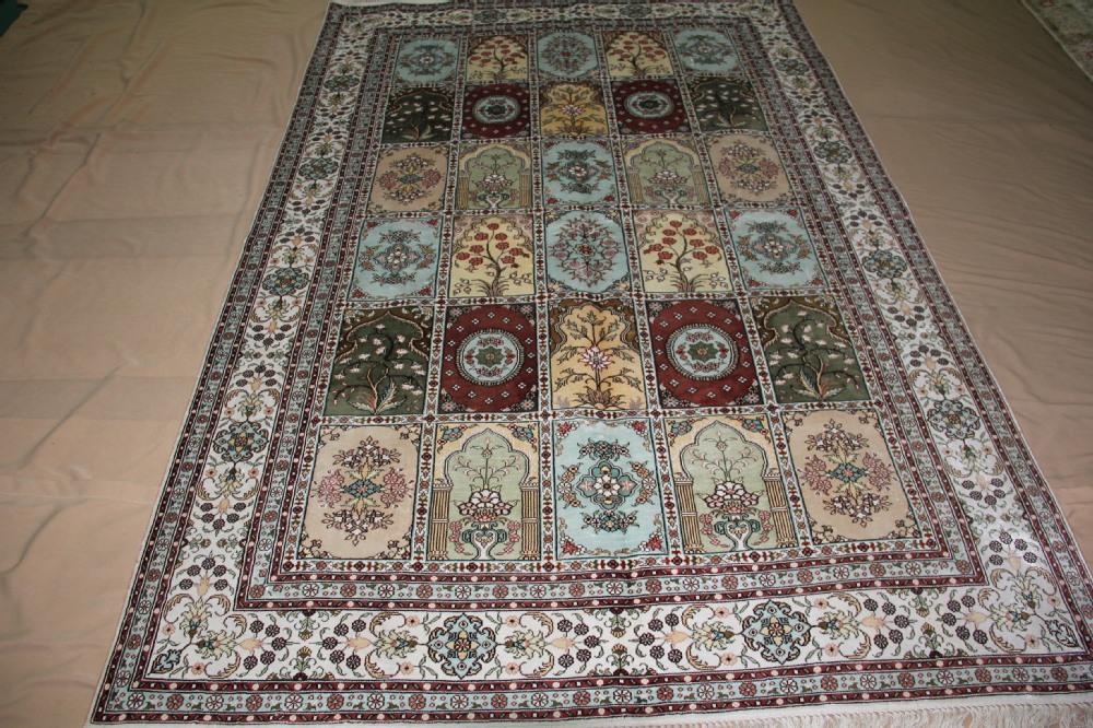 college dorm rug size