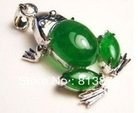 new Beautiful green jade frog necklace pendant