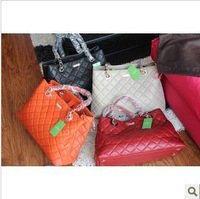 Free delivery service: 2013 new small Xiangling square ladies shoulder bag explosion