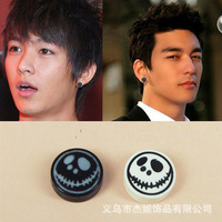 Free shipping Korean version of the magnet earrings 10mm round magnet boys skull earrings white 2 pair/pack