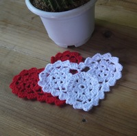 Valentine's Day gift Crocheted Doilies Cup Mat table cloth Heart-shaped Wedding decorations 20PCS/LOT