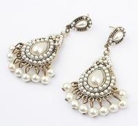 Free shipping hot sale in 2013 chandelier earrings pearl white earrings fashion jewellery for women size 7*2.5cm
