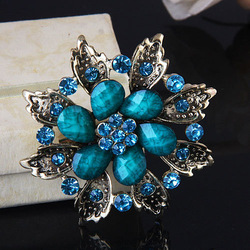 Min Order is $10 Korean Fashion Wedding Flower Brooches Crystal Cheap Woman Brooches Pins Wholesale Free Shipping(China (Mainland))